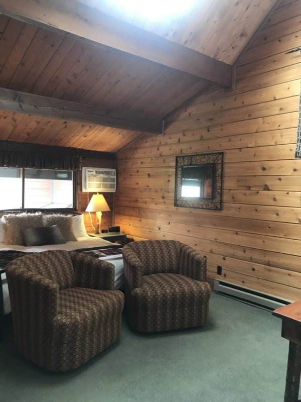 Great Northern Suite Room 3 Sky Light Good Medicine Lodge