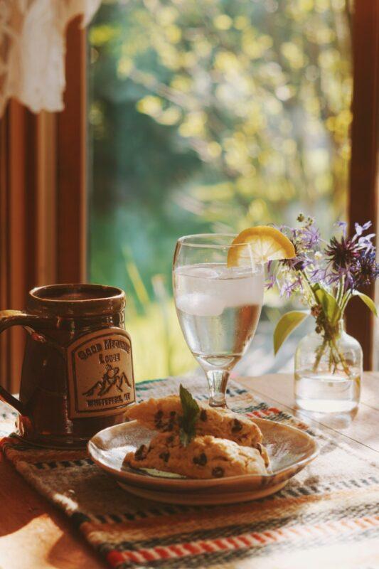 Good Medicine Lodge Breakfast Scone Lemon Water