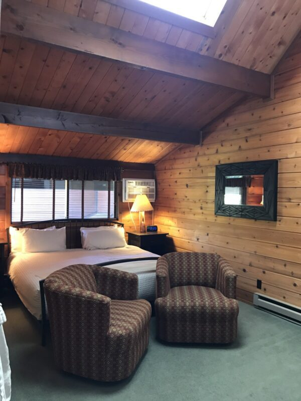 Good Medicine Lodge Great Northern Room 2 photo 1