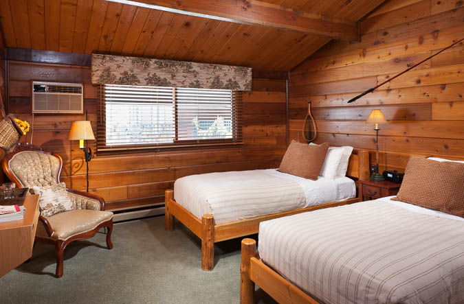 Great Northern Suite Good Medicine Lodge Bed and Breakfast Whitefish Montana 03