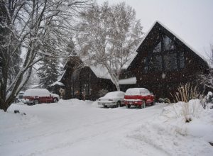 Snow Good Medicine Lodge Bed and Breakfast Whitefhish Montana